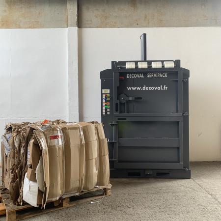 Presse à balles 130 kg - V135E