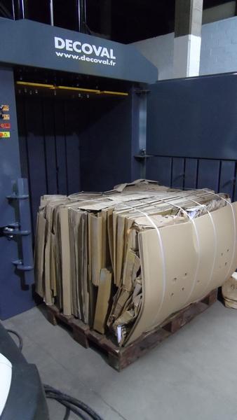 Balle de carton / Presse à balles V300E